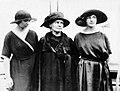 Irène, Marie et Ève Curie.jpg