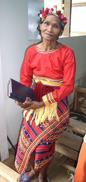 Igorot people - Image: Isnag Woman Traditional Attire