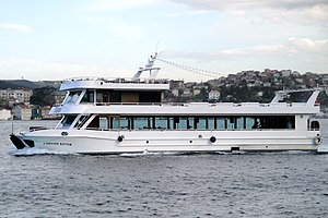 Istanbul Ausflugsschiff A. Ibrahim Kaptan (02).jpg