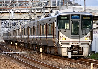 225 series Japanese train type