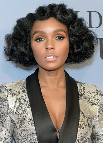 Janelle Monáe - Janelle Monáe at the premiere of Moonlight in 2016.
