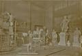 Johannes Boese in seinem Atelier, 1898.png