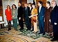José María Aznar se reune con un grupo de actores. Pool Moncloa. 7 de octubre de 1996.jpeg