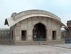 July 9 2005 - The Lahore Fort-Another sideview of Naulakha pavillion.jpg