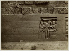 KITLV 28012 - Kassian Céphas - Relief of the hidden base of Borobudur - 1890-1891.tif