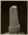 KITLV 28231 - Isidore van Kinsbergen - Stone (back) with inscription at the residency in Kediri - 1866-12-1867-01.tif