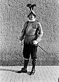 Kapitein Umberto Aebischa poseert in groot gala, Bestanddeelnr 191-1266.jpg