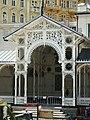 Karlovy Vary Trzni kolonada pruceli.JPG