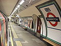 Kennington tube southbound Bank branch.jpg