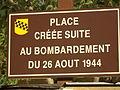 La Roque-sur-Cèze, Zentraler Platz.JPG
