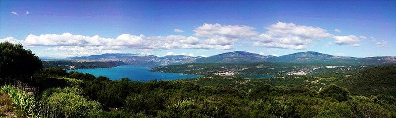 File:Lac de Sainte-Croix.jpg