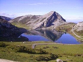 Lago Enol.jpg