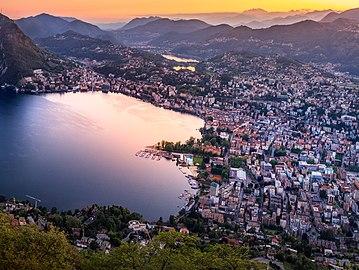 Lago di Lugano at Sunset (cropped).jpg