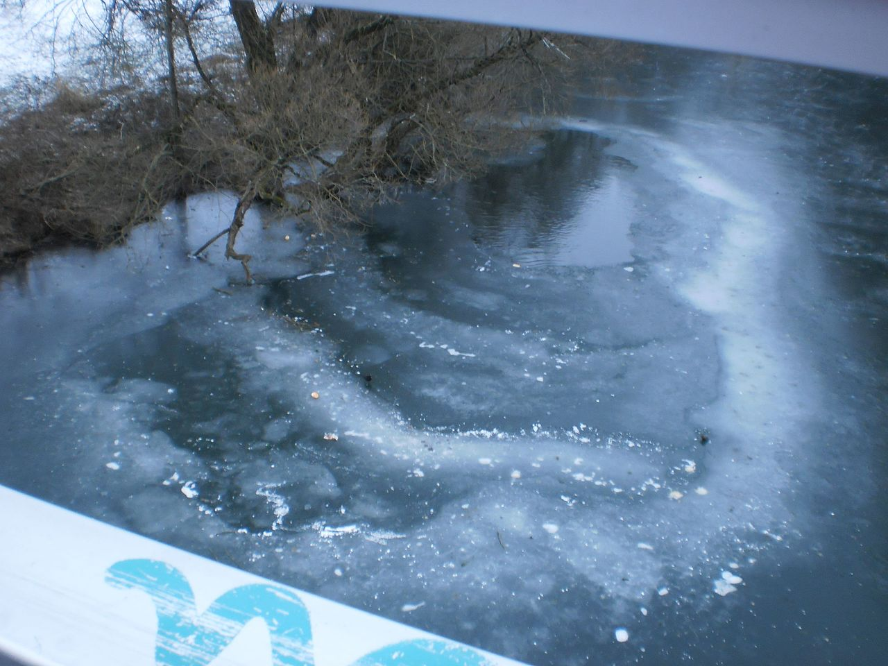 File Layers Of Ice On Frozen River Lahn North Of