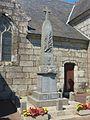 Le Cloître-Pleyben Le monument aux morts.jpg