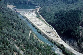Lewiston Lake - Lewiston Dam on the Trinity River forming the lake behind