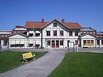 Lidköpings järnvägsstation, den 9 maj 2006.JPG