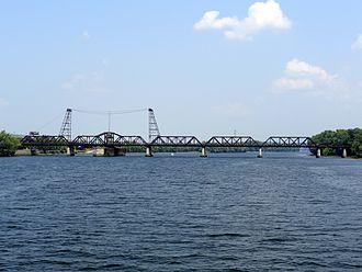 Livingston Avenue Bridge - Image: Livingston Av Bridge 2012a