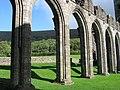 Llanthony Priory. - panoramio (1).jpg