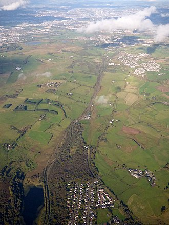 Uplawmoor - Image: Loch Libo and Uplawmoor from the air (geograph 5923544)