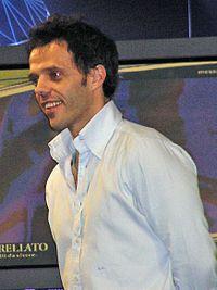 ロリス・カピロッシ - Wikipedia
