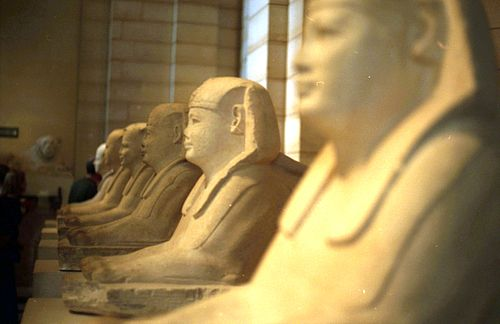 Esfinges del dromos del Serapeum de Saqqara. Museo del Louvre.
