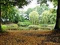 Lubostroń, park, ok. 1800 - widok na staw a w oddali dom ogrodnika.JPG