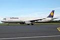 Lufthansa, D-AISQ, Airbus A321-231 (15834417074).jpg