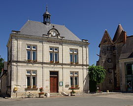 The town hall in Mézières-en-Brenne