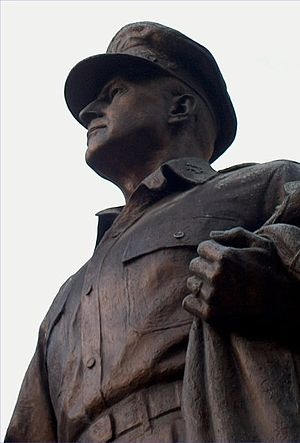 Culture in Norfolk, Virginia - The MacArthur Statue
