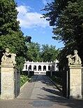 Maerchenbrunnen Berlin Friedrichshain Eingang.jpg