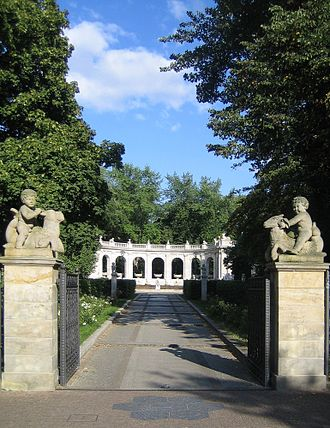 Märchenbrunnen - The main entrance to the fountain of fairy tales