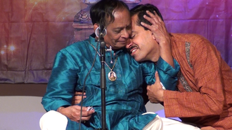 Mangalampalli Balamuralikrishna and Ravi Joshi, during a concert in San Francisco, California, April 2014 Mangalampalli Balamurali Krishna and Ravi Joshi, California, April 2014.png