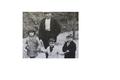 Manuel Farrás al Bosc amb l'seus Fills (ca 1936).png