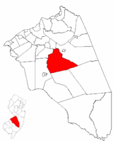 Southampton Township highlighted in Burlington County. Inset map: Burlington County highlighted in the State of New Jersey.
