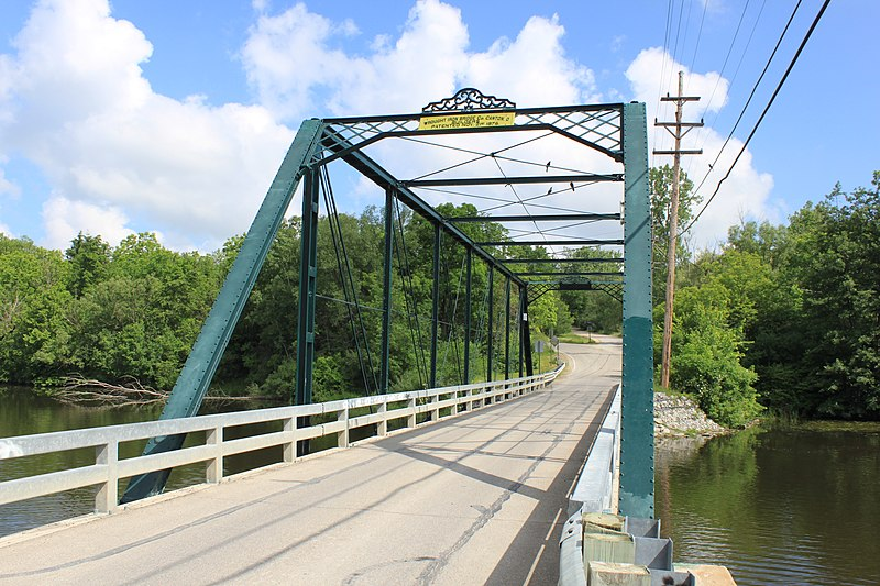 File:Maple-Foster Bridge Barton Hills Michigan.JPG