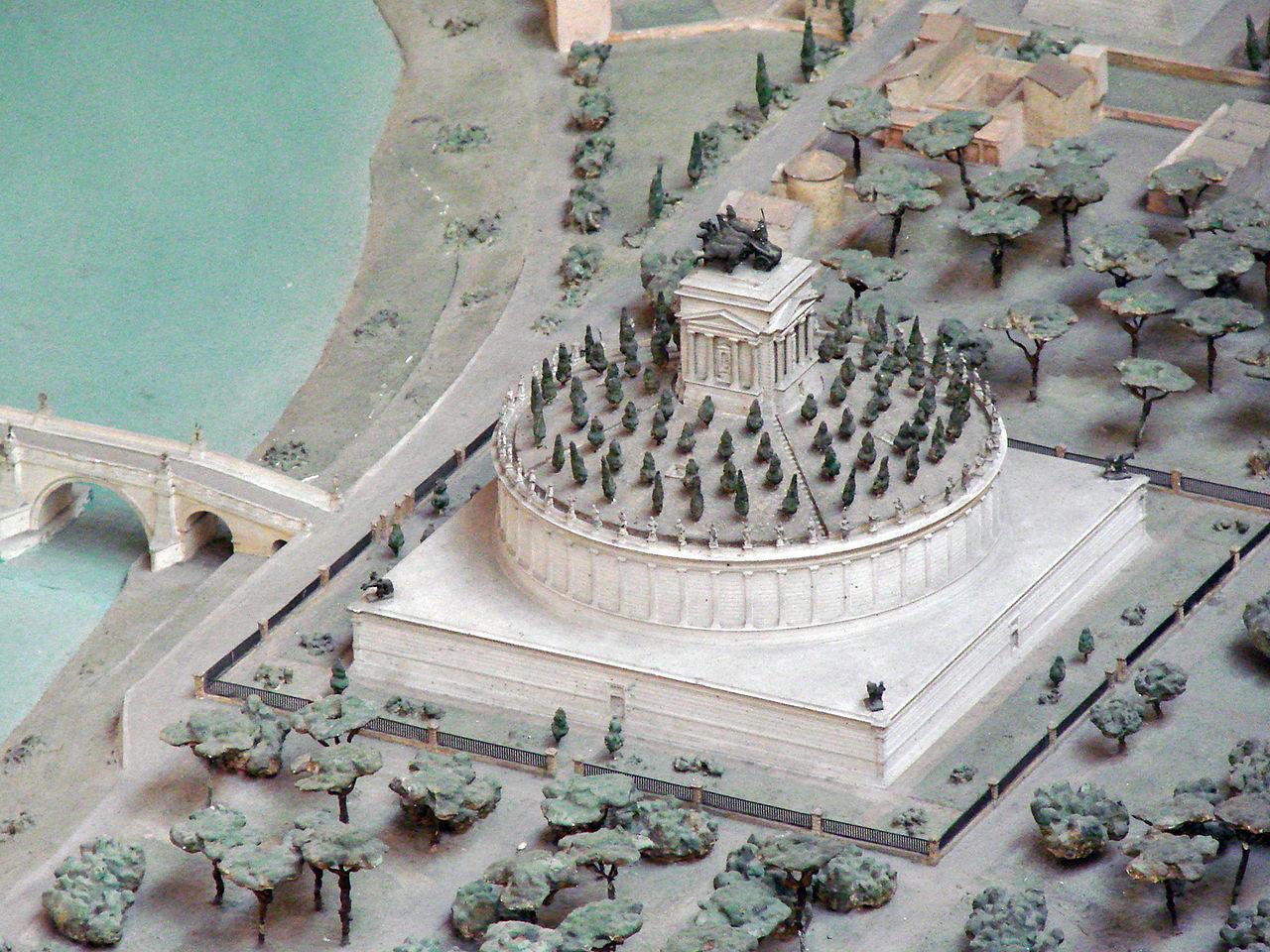 Maquette du Mausolée dHadrien (musée de la civilisation romaine, Rome) (5911811430).jpg