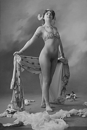 Mata Hari - Mata Hari in 1906, wearing only a bra and jewellery