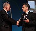 Mauricio Macri recibió un reconocimiento del Comité Olímpico Internacional (9723378955).jpg