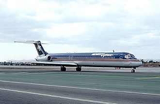 One of the airline's MD-88s photographed in Midwest Express' first livery in 1991. McDonnell Douglas MD-88, Midwest Express Airlines AN0088255.jpg