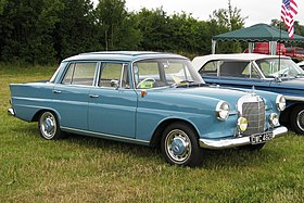 Mercedes-Benz 190 1897cc 1 jun 1964.JPG