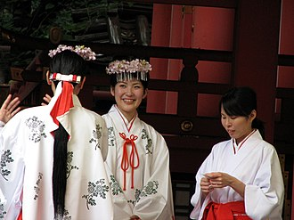 Miko - Miko at the Ikuta Shrine