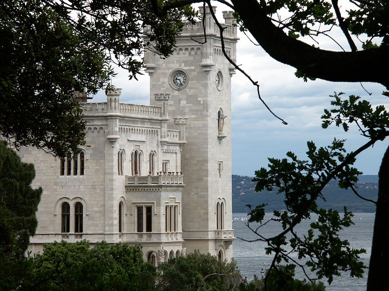 http://upload.wikimedia.org/wikipedia/commons/thumb/7/7a/Miramare_Trieste.jpg/800px-Miramare_Trieste.jpg