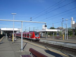 Frankfurt South station - The Rhine-Main S-Bahn uses the two northern platforms, regional and mainline services use the three southern platforms.