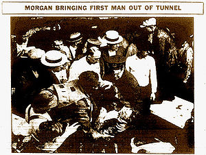 Garrett Morgan - Newspaper photograph of Morgan's rescue in 1916