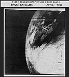NASA's first television picture of Earth from space (4482476686).jpg