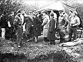 Nabij het voormalige concentratiekamp te Amersfoort is een massagraf ontdekt van, Bestanddeelnr 901-1542.jpg