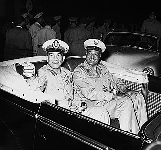 Egyptian revolution of 1952 - The leaders of the coup, Mohammed Naguib (left) and Gamal Abdel Nasser (right) in a Cadillac