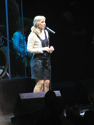 Natasha Bedingfield - Bedingfield performing in June 2006