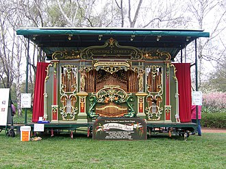 "Advance Australia Fair - The ""Australia Fair Grand Concert Street Organ"", which automatically plays ""Advance Australia Fair"""